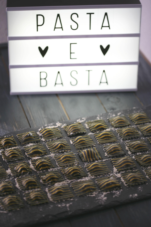 gestreifte Ravioli, Pasta, Nudeln
