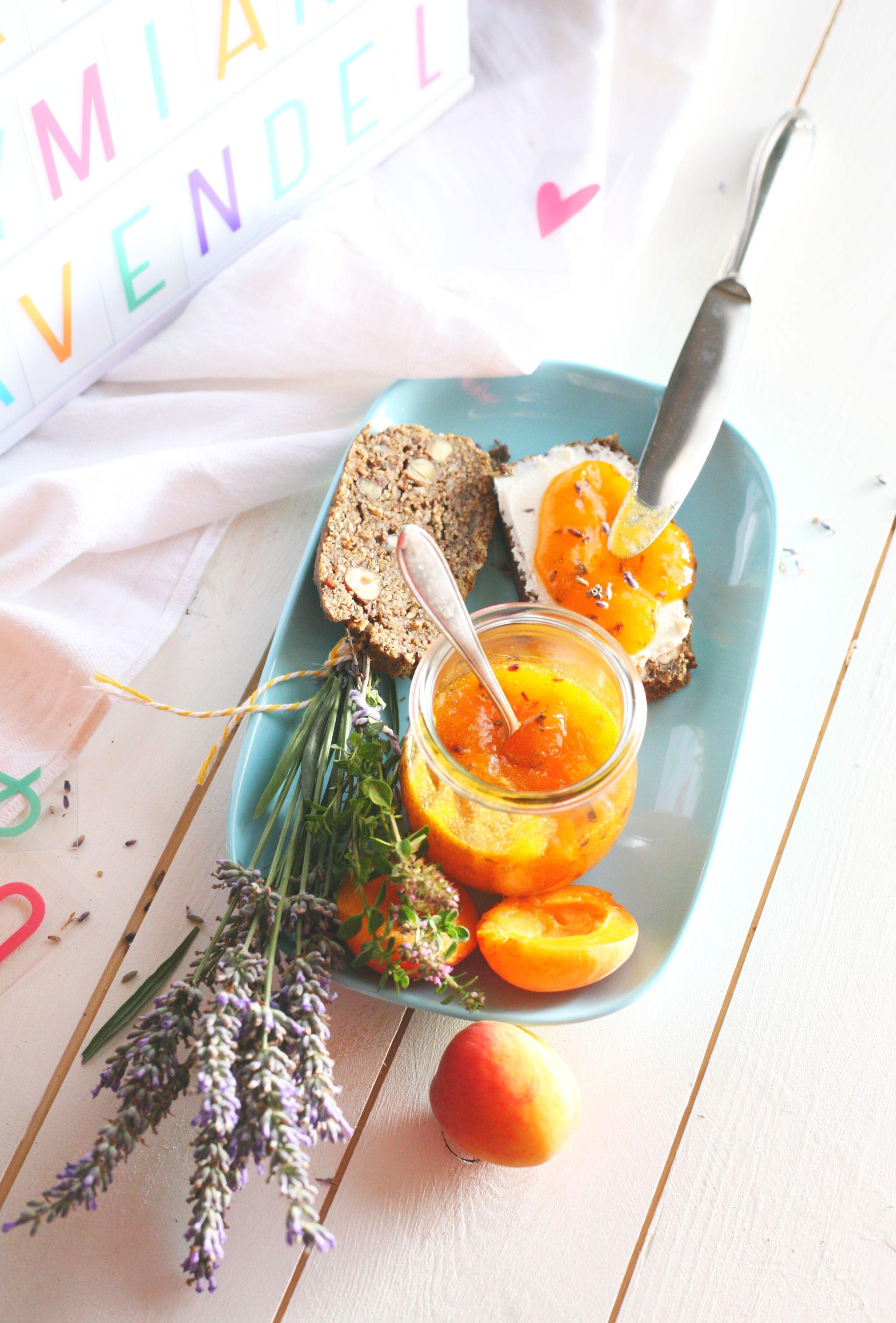 Aprikosen Marmelade mit Thymian und Lavendel