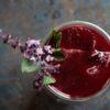 Rezept für einen tollen Cherry-Basil-Smash