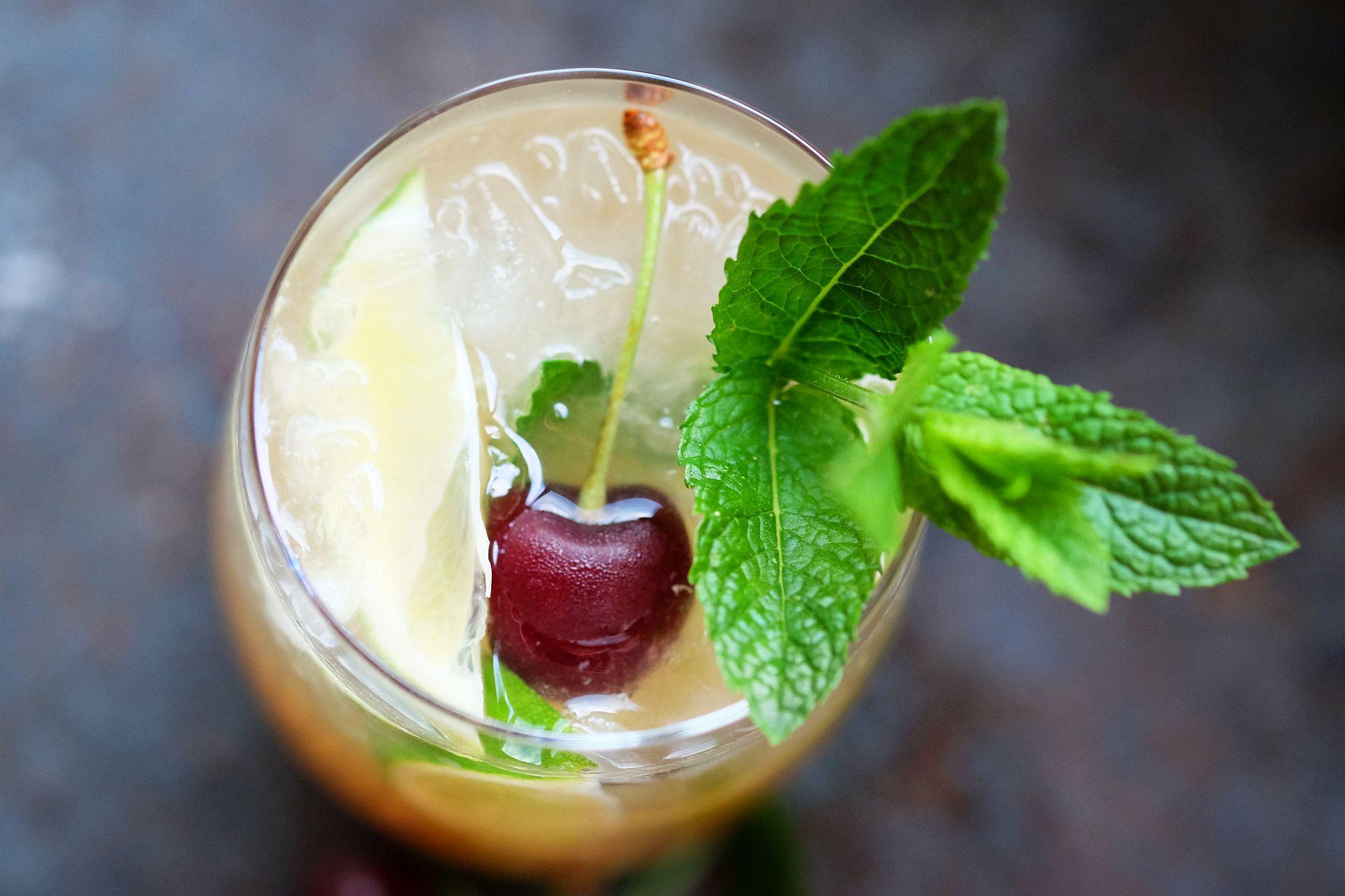 Mai Tai & dreierlei Rum Trüffel von den Lauensteinern