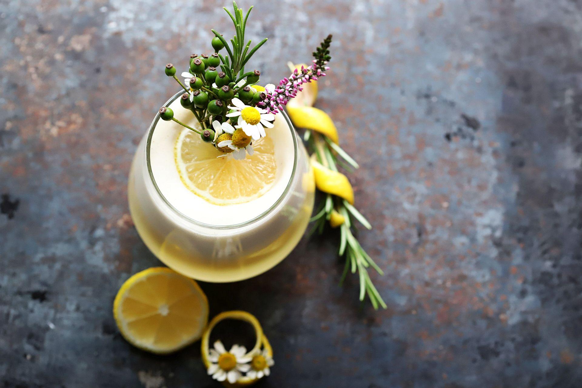 Gin Tonic mit Olivenöl und Vanille