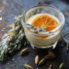 Kardamom Eis mit Honig-Sherry-Sauce