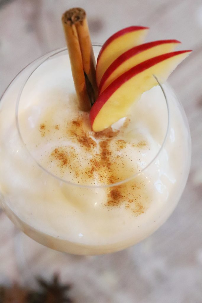 Apple Cider Princess Cocktail mit Cider Espuma