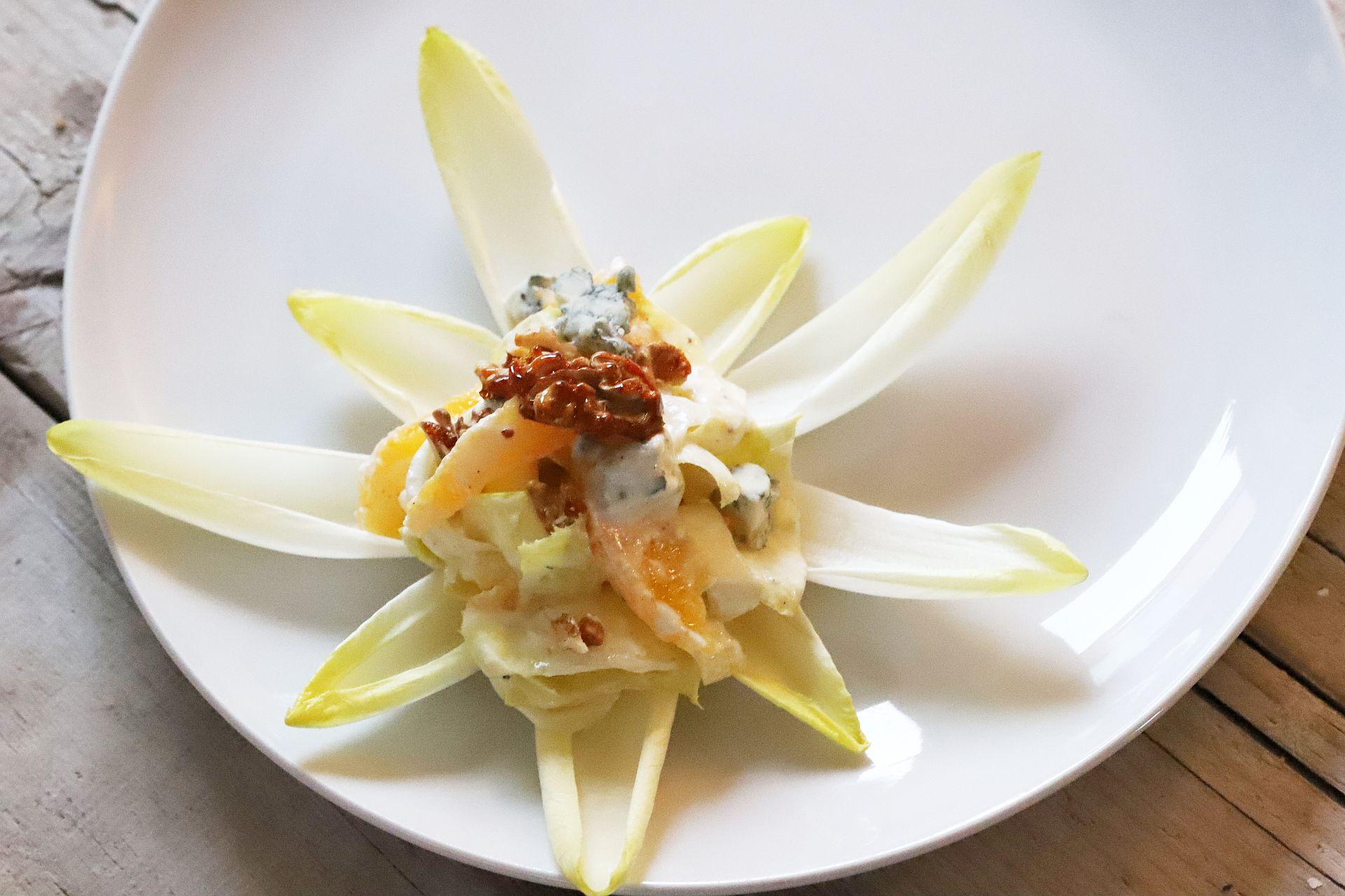 Rindersteak mit Chicorée-Orangen Salat