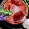 Gin mit Cranberry und Quitte