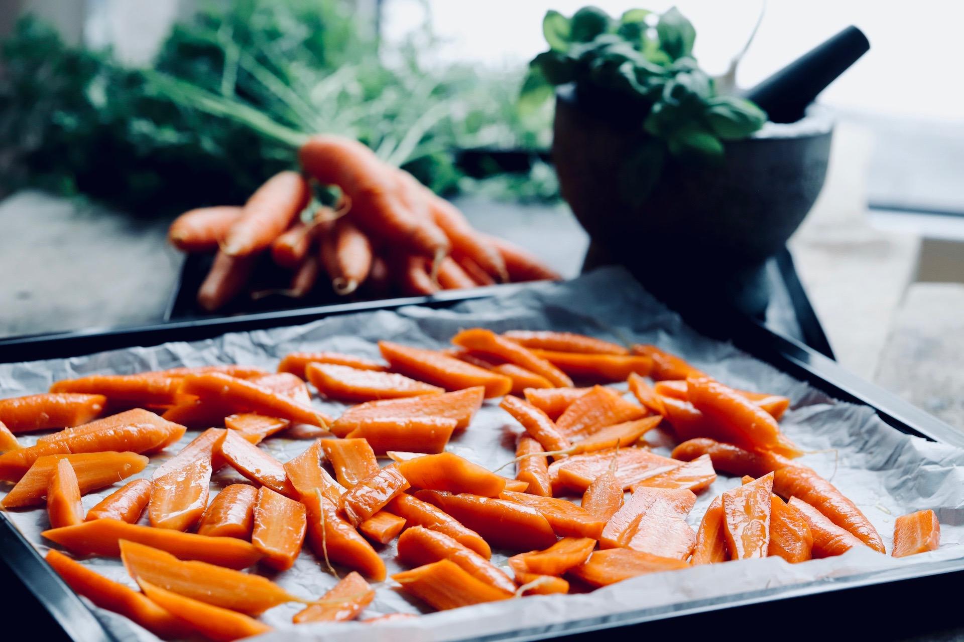 Ofenkarotten mit Pesto