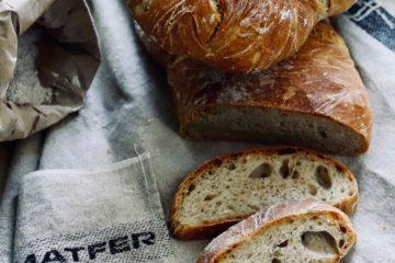 Selbstgebackenes Brot