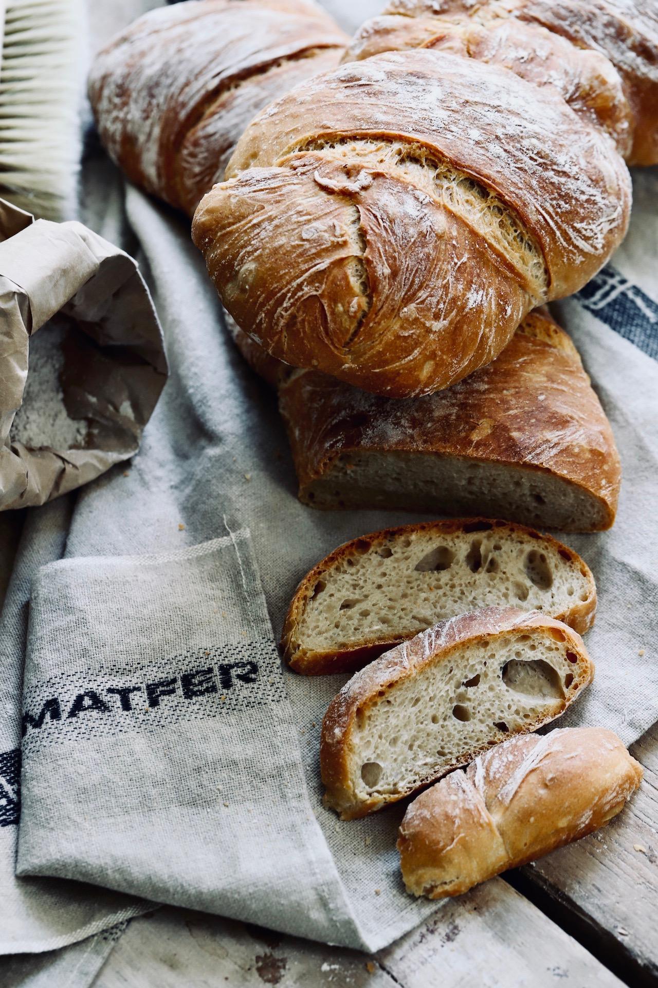 Selbstgebackenes Brot – ein Wurzelbrot